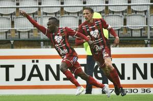 ÖSTERSUND 20170716Sam Mensiro jublar efter 1-0-målet under söndagens allsvenska match mellan Östersunds FK och Djurgården på Jämtkraft Arena.