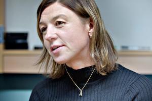Karin Hellmyrs fick – som mamma till,Axel Jonsson – ta den värsta stöten när det stod klart att SAIK använt fondpengarna till den löpande verksamheten.