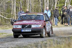 Första handikappanpassade rallybilen åkte rullstolsburna norabon Marcus Jardler i.