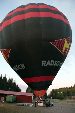 Ballongen är stor som ett cirkustält.