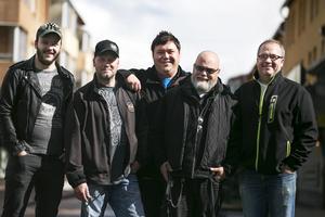 Fem av medlemmarna i BAD, Borlänge Against Drugs: Markus Grundström, Patrik Andersson, Marcus Persson, Stefan Holmberg och Anders Andersson.