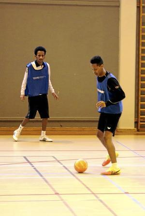 Fotboll. Fotboll är en populär aktivitet som Nationell stödförening arrangerar.