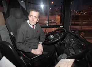 Busschauffören Stig Krüger har upplevt stöket på nattbussarna flera gånger. Mest bråk upplever han vid gymnasiefester, då hela gäng ska in och festa.