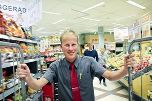Så här ser han ut, Daniel Backlund, den nye Ica-handlaren i Kilafors.