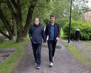 Författarduon Lars Nylin och Björn Nordström gästade i mitten av september Sundsvall, där ST:s Roland Engström fick en pratstund om boken som rymmer mängder med kul kuriosa och viktig info kring massor med idrottshjältar och sporthändelser från vår del av världen.