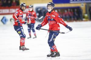 Tuomas Määttä prisas som Årets man i finsk bandy.