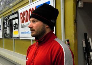 Peter Iversen, målvaktstränare i Mora, hyllar målvaktsparet och menar att både Christian Engstrand och Mattias Pettersson har potential att stå i SHL.