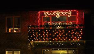 Julfint på balkongen på Stentorpsgatan 4 B hos Tommy Hagewald och Pia Envall Johansson.