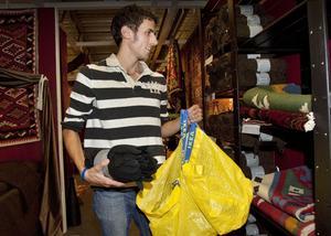Nu med filt. Jay Wilcox uppskattade utflykten till Ikea så att han kunde handla saker inför terminsstarten nästa vecka.