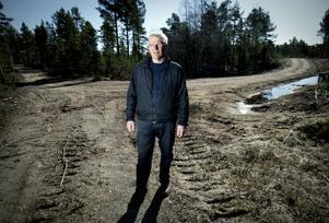 Åke Erikssons handlade i god tro när han byggde en skogsbilväg på Saltholmen. Efter en fyra år lång strid har han nu fått rätt i tingsrätten.