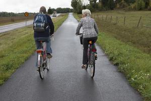 I 72 av landets kommuner, bland annat Hedemora, Gagnef och Vansbro, finns det mindre än en meter cykelväg per invånare.