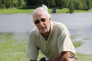 Det är bara att beklaga, men naturen kan man inte göra så mycket åt. Det är bara att hoppas att vi inte får så mycket mer regn, säger Karl-Erik Jonsson, medlem i golfklubben.