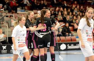 Sara Mörk kvitterade till 1–1  och för en kort stund tändes hoppet hos IBF Falun.
