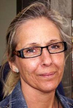 Ann-Louise Olander, 45 år, Östersund:– Ja, det skulle ge mera jobb till Jämtland. Men det är klart att det inte är bra med skadorna i miljön.
