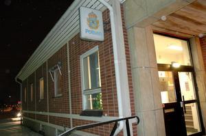 Sannolikt kommer polisstationen i Skutskär att stängas tidigare än planerat.