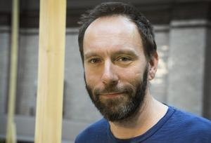 Alexander Mørk-Eidem kallar Ola Larsmos bok