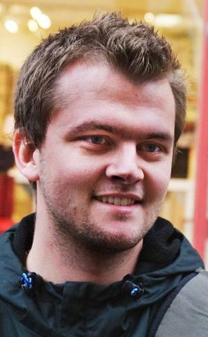 Marcus Gordonsson, 24 år, studerande, Nordanberg.– Nej, jag tror inte att jag har märkt en endaste trend. Det står helt stilla i huvudet.