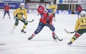 Simon Jansson visade klass som anfallare den här säsongen och svarade för 25 mål i Edsbyn.