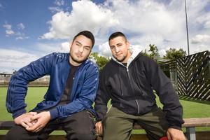 Vallbyprofiler. Josua Kwiek och Fuat Karacan är uppväxta på Vallby. De ägnar nu all sin tid åt ungdomar som annars kanske skulle komma på glid.