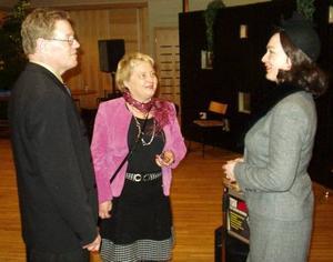 Gillesvärden Simonetta Olsson i mitten tillsammans med Per Olsson och Måd Demår.