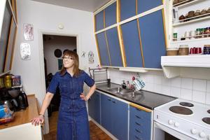 Här hittade hon sitt drömkök. I retrobloggaren Anna Sandbergs blåa kök i Krumeluren har tiden stått stilla.