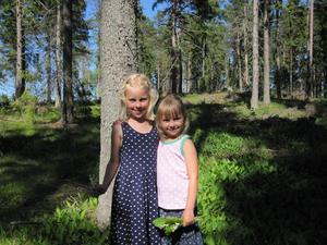 Kusinerna Wilma och Amanda Asp. Foto: Annild Asp Carlsson.