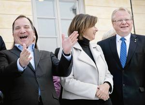 Regeringen kom till Dalarna förra veckan, här den glade statsministern tillsammans med de dalabördiga ministrarna Isabella Löfvin (MP) och Peter Hultqvist (S).