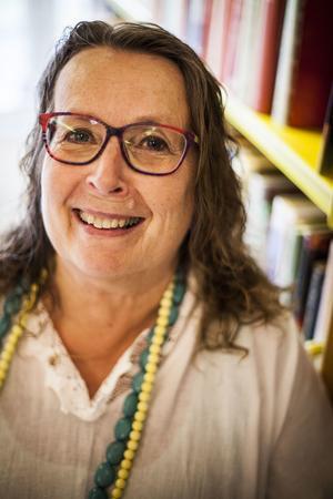 Loulou Westlund har varit bibliotekarie på Kälarne bibliotek i närmare 25 år.