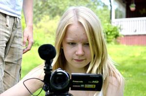 Mer film. Senare i sommar ska Anna leda ett eget projekt. Då ska hon lära barn att filma och redigera.