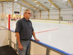 Per-Eric Hedh beslutade under fredagen att stänga ishallen i Sveg så problemen med isen kan åtgärdas under nästa vecka.