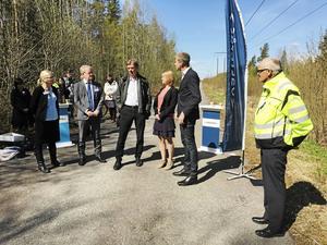 Northvolts ledning på Västeråsbesök tidigare i år. Bland andra Elisabeth Unell (M) och  Anders Teljebäck (S) tog emot.