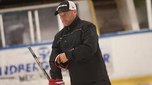 FAIK:s tränare Mikael Holmqvist vill se en bättre inställning hos spelarna.