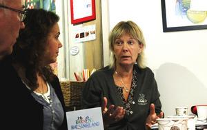 Maria Owén, Hälsinglands Turism, diskuterar marknadsföring med Robin Söderberg och Åsa Forsman.