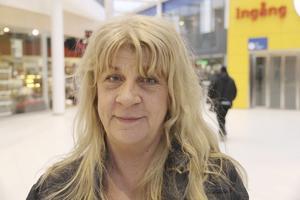 Ann Bohlin Swälas, 54, yrkeslärare, Ekbacken: – Jag beställer matkassar och i dem är det ekologiska grönsaker och närproducerat kött.