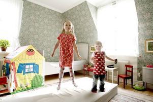 eget rum. Barnen Ellen och Axels rum byggde Hans-Erik Hansson till stor del om när han var pappaledig med Ellen.