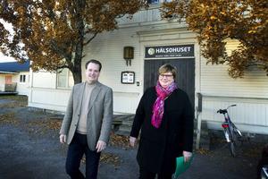 Daniel Blomstedt (M)  och Catarina Deremar (C) vill satsa på skolan.