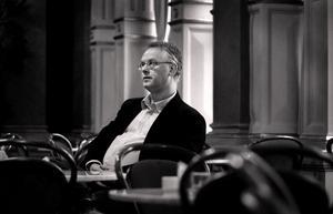 Stellan Alneberg är dirigent och pianist när en minneskonsert för förintelsens offer arrangeras för andra året i rad i Betlehemskyrkan.