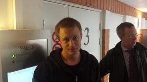 Nisse Sandqvist (V) vittnade i rätten i dag.