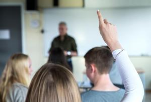 Lärarbristen leder till oro och stress för eleverna, skriver gymnasieeleven Clara Klint i sin insändare.     Foto: Berit Roald / NTB scanpix