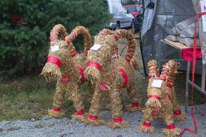 Bockarna Tor, Sivard och Berra var några av de halmbockar som fanns att köpa. De egengjorda bockarna är tillverkade i Gävle.