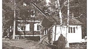 I ett av husen satt Sven Jonsson med sin pappa då ett plan störtade utanför.