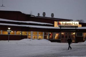 Kommunstyrelsen i Strömsund kunde inte enas om det nya hyresavtalet för Folkets hus-föreningen, där den borgerliga alliansen vill införa en mer marknadsmässig hyra på sikt. Frågan får nu vänta till nästa möte. Foto: Catarina Montell