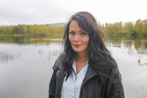 Johanna Hansson planerar att starta insamling och skicka pengar och kläder till sin norska kontakt på Samos. Där vet hon att det som samlas in blir till direkt hjälp för människorna på flykt.