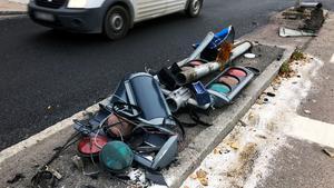 Såhär såg det ut för en vecka sedan när trafikljus vid Turingekorset förstördes efter en trafikolycka.