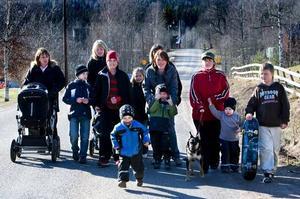 Upprörda föräldrar. Föräldrarna i Jobsbo är mycket upprörda över att kommunen har för avsikt att höja hastighetsbegränsningen vid skolan från 30 km/h till 50km/h.