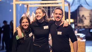Från vänster: Studenterna Elina Lindgren, Angelina Sheremet och Marcus Christiansen.