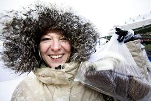Annika Johansson, 35 år, Ekeby Almby:– Ullstrumpor. Jag köpte några redan förra året och de är jättebra. Nu har jag köpt fem par så barnen och jag kan vara varma om fötterna.