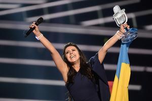 Ukrainas Jamala jublar efter att ha vunnit finalen i Eurovision Song Contest 2016 i Globen.