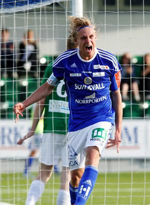 AIK-lånet Pontus Engblom har gjort succé på slutet, men blir kvar i GIF Sundsvall säsongen ut. GIF och AIK är överens om att det är det bästa för anfallarens utveckling.