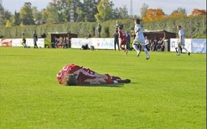 HOPPET UTE. Chansen att Falu FK ska resa sig och rädda nytt kontrakt äe nu minimal efter förlusten mot Valsta Syrianska.FOTO: FREDRIK PERAS CEDERBERG